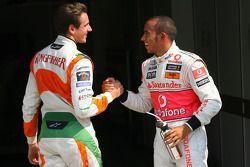 Обладатель поула - Льюис Хэмилтон, McLaren Mercedes, второе место - Адриан Сутиль, Force India F1 Te