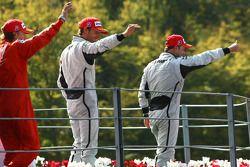 Podium: race winner Rubens Barrichello, BrawnGP, second place Jenson Button, BrawnGP, third place Ki