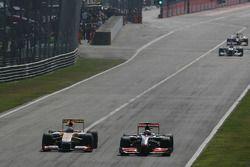 Fernando Alonso, Renault F1 Team and Heikki Kovalainen, McLaren Mercedes