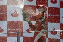 Nico Hulkenberg fête son titre en GP2 sur le podium