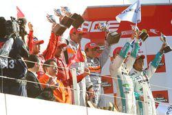 GT500 podium: class winners Ralph Firman and Takuya Izawa, second place Satoshi Motoyama and Benoit Treluyer, third place Juichi Wakisaka and Andre Lotterer