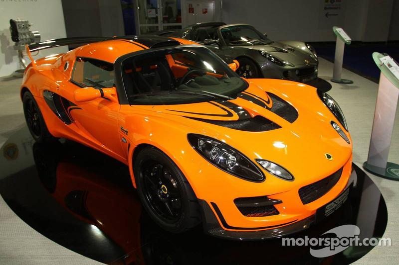 https://cdn-1.motorsport.com/static/img/mgl/800000/890000/898000/898200/898291/s8/automotive-frankfurt-international-auto-show-2009-lotus-exige-cup-260.jpg