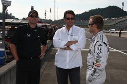 Ed Carpenter, Vision Racing discute avec Tony George