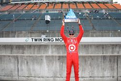 Pole winner Scott Dixon, Chip Ganassi Racing
