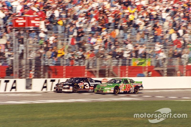 Atlanta 2000: Dale Earnhardt vs Bobby Labonte