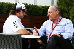Fernando Alonso, McLaren y Ron Dennis, McLaren Director ejecutivo