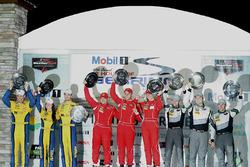 GTD-подіум: переможці - Крістіна Нільсен, Алессандро Балзан, Джефф Сігал, Scuderia Corsa, друге місце - Брет Кьортіс, Йенс Клінгманн, Ешлі Фрайберг, Turner Motorsport, третє місце - Джон Поттер, Енді Леллі, Марко Зіфрід, Magnus Racing