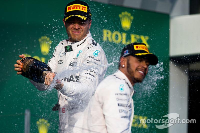 Подіум: переможець - Ніко Росберг, Mercedes AMG F1 Team, друге місце - Льюіс Хемілтон, Mercedes AMG F1 Team, святкування з шампанським