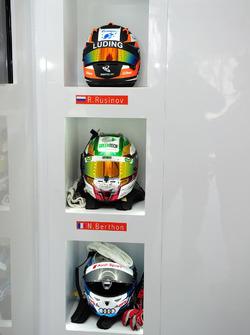 Шлемы Роман Русинова, Натанаэль Бертона и Рене Раста, #26 G-Drive Racing Oreca 05 - Nissan