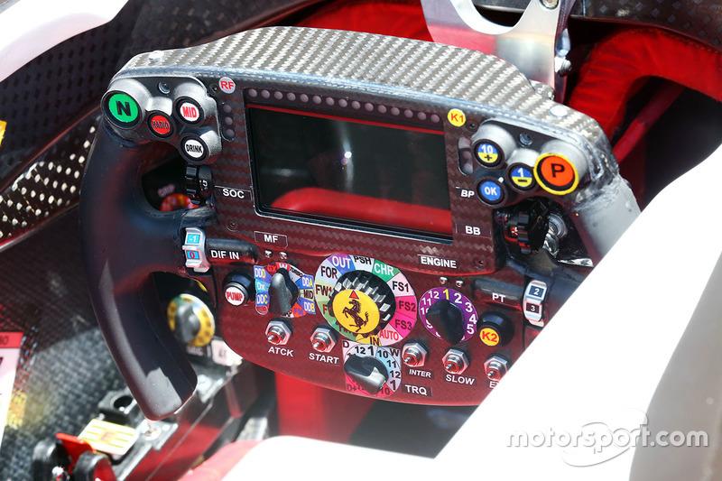 Ferrari SF16-H direksiyon