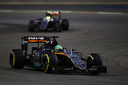 Nico Hulkenberg, Sahara Force India F1 VJM09 et Sergio Perez, Sahara Force India F1 VJM09