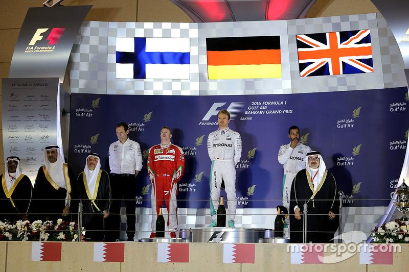 Podio: ganador primer lugar Nico Rosberg, Mercedes AMG F1 Team, segundo lugar Kimi Raikkonen, Ferrari, y tercer lugar Lewis Hamilton, Mercedes AMG F1 Team