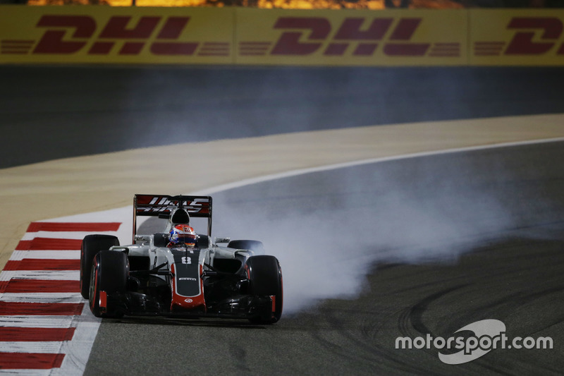 Romain Grosjean, Haas F1 Team VF-16 bloquea los frenos