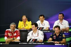 Пресс-конференциия: Фредерик Вассёр, гоночный директор Renault Sport F1 Team, Юсуке Хасегава, глава программы Honda F1, Эрик Булье, гоночный директор McLaren, Маурицио Арривабене, руководитель команды Ferrari, Тото Вольф, исполнительный директор Mercedes G