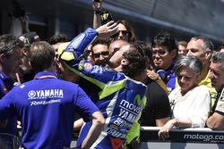 Ganador, Valentino Rossi, Yamaha Factory Racing en el parc ferme