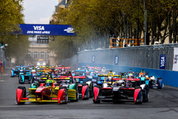 Lucas di Grassi, ABT Schaeffler Audi Sport, und Sam Bird, DS Virgin Racing Formula E Team