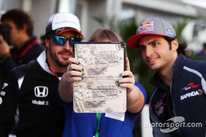 Fernando Alonso, McLaren y Carlos Sainz, Scuderia Toro Rosso