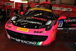 #173 Ineco - MP Racing, Ferrari 458: Corinna Gostner