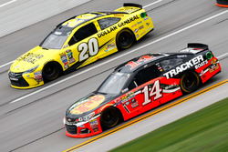 Tony Stewart, Stewart-Haas Racing Chevrolet, und Matt Kenseth, Joe Gibbs Racing Toyota