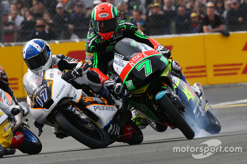 2. Accidente de John McPhee, Peugeot MC Saxoprint y Adam Norrodin, Drive M7 SIC Racing Team