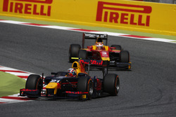 Pierre Gasly, PREMA, Racing leads Norman Nato, Racing Engineering