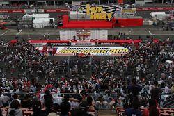 Podium ambiance: race winner Scott Dixon, Chip Ganassi Racing, second place Dario Franchitti, Chip Ganassi Racing, third place Graham Rahal, Newman/Haas/Lanigan Racing