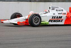 Ryan Briscoe, Team Penske with debris