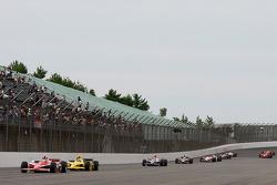 Scott Dixon, Chip Ganassi Racing devant Dario Franchitti, Chip Ganassi Racing