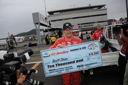 Scott Dixon, Chip Ganassi Racing reçoit son chèque