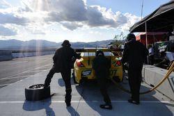Arrêt pour le #07 Team Drinkin' Mate Pontiac GXP.R: Kelly Collins, Paul Edwards, Leighton Reese