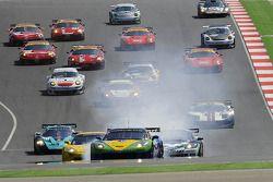 Départ : #8 Sangari Team Brazil Corvette Z06: Enrique Bernoldi, Roberto Streit, Xavier Maassen en tê