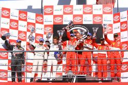 GT2 podium: class winners Alvaro Barba Lopez and Niki Cadei, second place Emmanuel Collard and Richard Westbrook, third place Matteo Malucelli and Paolo Ruberti