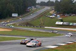 #44 Flying Lizard Motorsports Porsche 911 GT3 RSR: Seth Neiman, Darren Law, Johannes van Overbeek, #