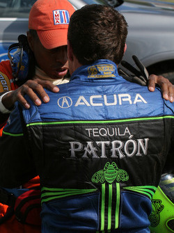 Crash de la #9 Patron Highcroft Racing Acura ARX-02a Acura: Scott Sharp