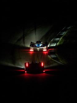 #07 Team Peugeot Total Peugeot 908 HDI FAP: Nicolas Minassian, Pedro Lamy, #1 Audi Sport North Ameri