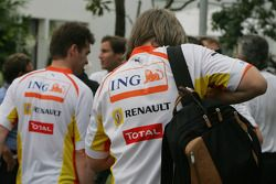 renault team still have ING, team clothing
