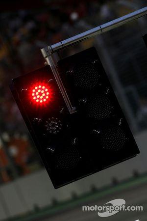 Lumière et drapeau rouges