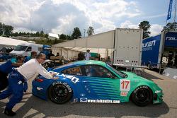 #17 Team Falken Tire Porsche 911 GT3 RSR