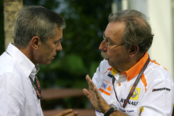 Daniele Morelli, manager of Robert Kubica, BMW Sauber F1 Team, Jean-Francois Caubet, Managing director of Renault F1