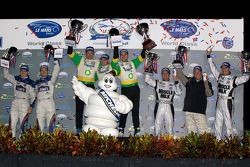 P2 podium: class winners Butch Leitzinger, Marino Franchitti and Ben Devlin, second place Adrian Fer
