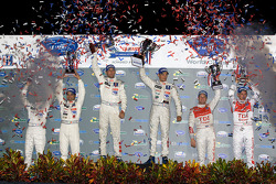 P1 podium: class and overal winners Stéphane Sarrazin and Franck Montagny, second place Nicolas Mina