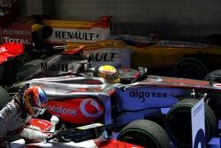 Timo Glock, Toyota F1 Team, Lewis Hamilton, McLaren Mercedes