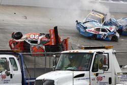 Crash pour Joey Logano, Joe Gibbs Racing Toyota