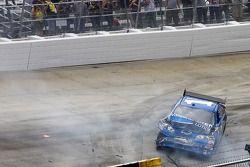 Crash de Martin Truex Jr., Earnhardt Ganassi Racing Chevrolet