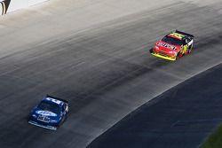Kurt Busch, Penske Racing Dodge et Jeff Gordon, Hendrick Motorsports Chevrolet