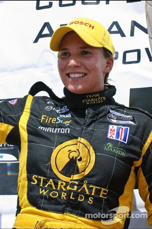 Podium: seconde place pour Simona De Silvestro