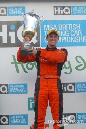 Le vainqueur Stephen Jelley