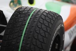 Wet Bridgestone lastiği
