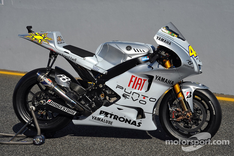 The Yamaha 99 YZR-M1 in its special 'Fiat Punto Evo' livery at ...
