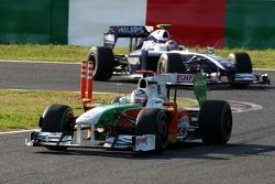 Адриан Сутиль, Force India F1 Team, и Казуки Накаджима, Williams F1 Team